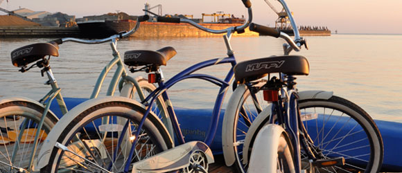 http://www.hotelcapecharles.com/wp/wp-content/uploads/2013/06/bikes_580x240.png