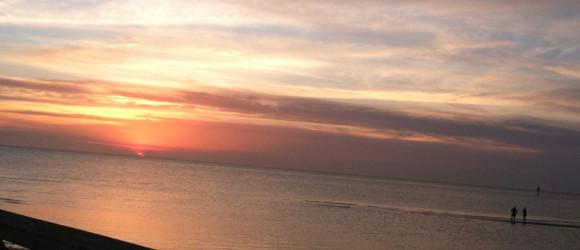 https://www.hotelcapecharles.com/wp/wp-content/uploads/2013/06/sunset-580x250.jpg